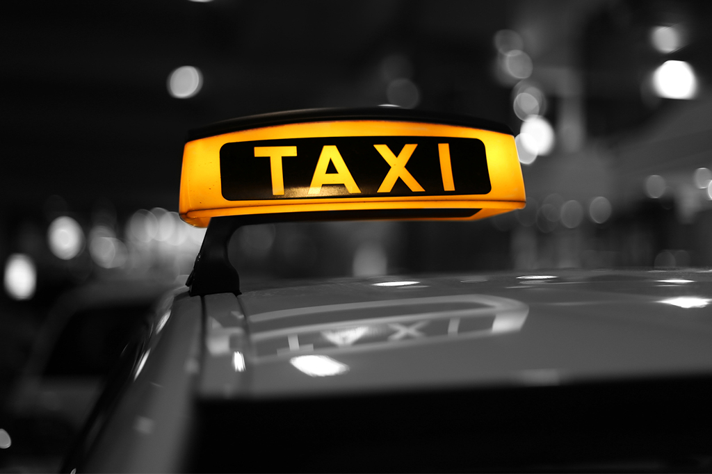 Como economizar no transporte diário: carro, táxi ou uber