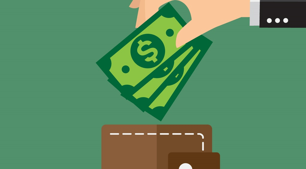 Décimo terceiro salário: antecipar as parcelas vale a pena?