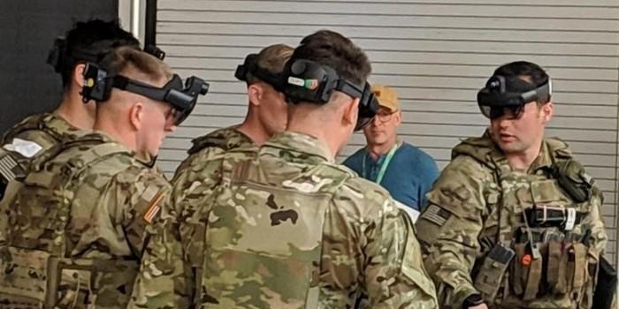 CEO da Microsoft defende contrato para uso de óculos de realidade mista por militares