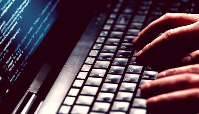 Com 19 anos, hacker argentino fatura US$ 1 milhão descobrindo falhas na internet