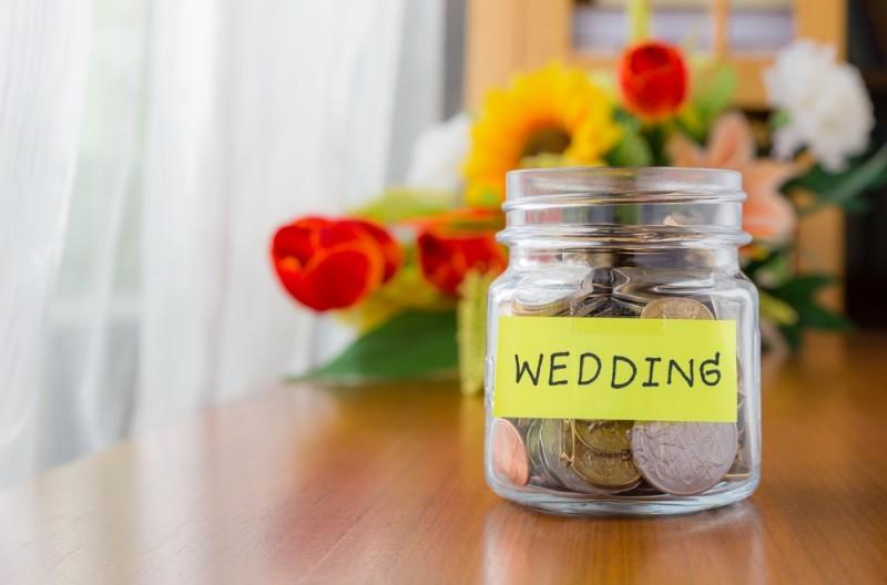 Dicas de economia para um casal recém-casado