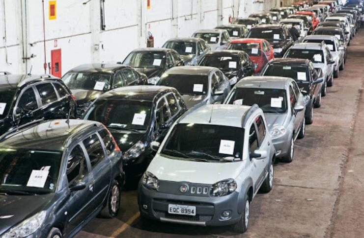 Veja como fazer uma boa compra em leilão de carros