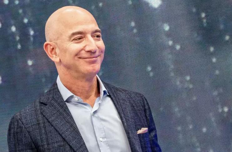 Jeff Bezos é a primeira pessoa no mundo a valer US $ 200 bilhões