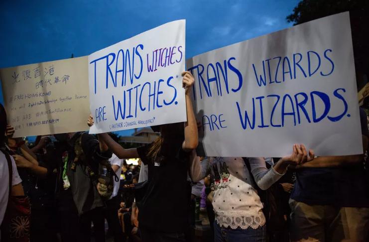 Warner Bros. garante aos fãs que J.K. Rowling não está envolvida com o novo jogo de Harry Potter