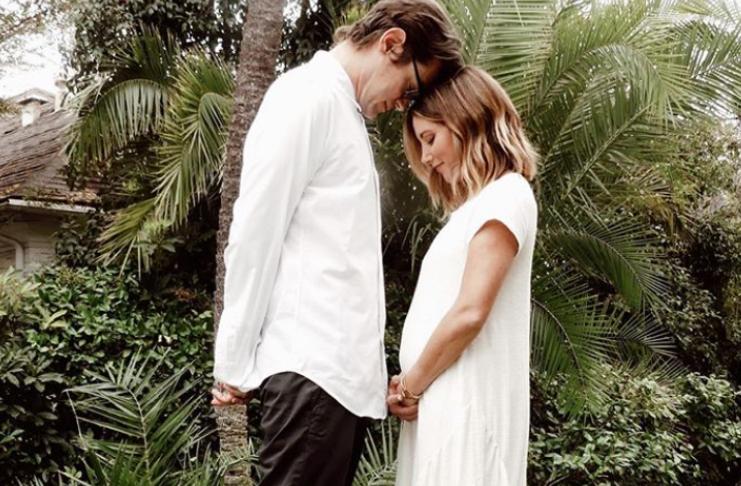 Ashley Tisdale está grávida, esperando o primeiro filho