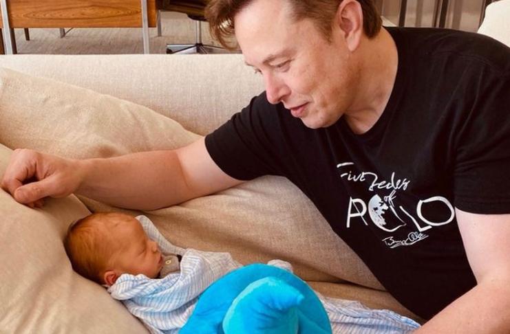 Grimes diz que assistiu Apocalypse Now com seu filho recém-nascido, X Æ A-12 Musk
