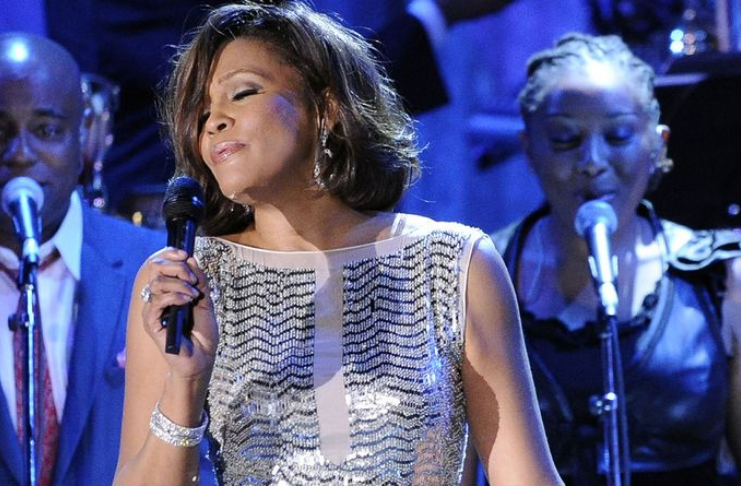 Whitney Houston faz história com terceiro álbum de diamantes