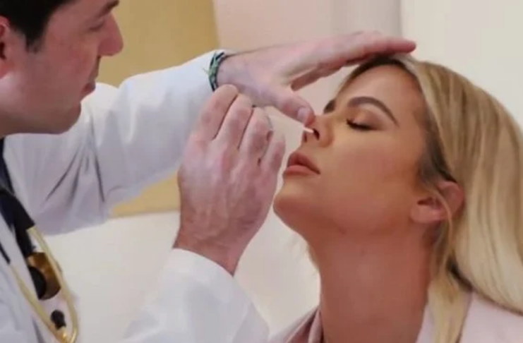 Khloé Kardashian revela que teve coronavírus