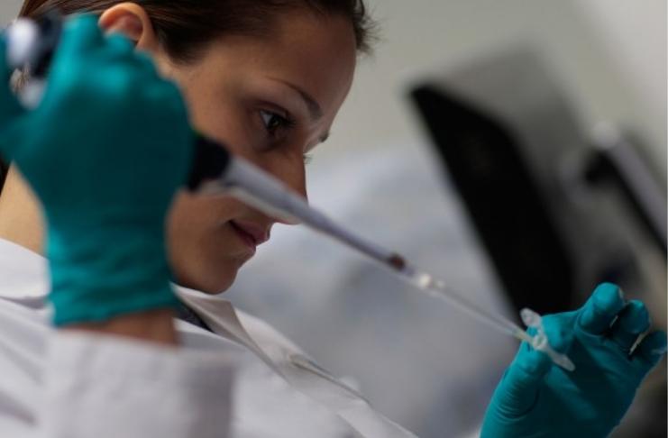 Prêmio Nobel é ganho por duas mulheres 'doutoras de genética'
