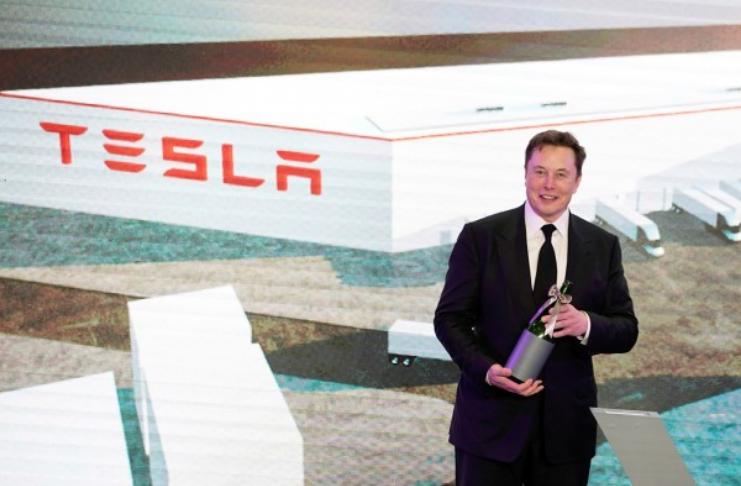 Elon Musk suspeita de testes Covid-19 depois de resultados positivos e negativos