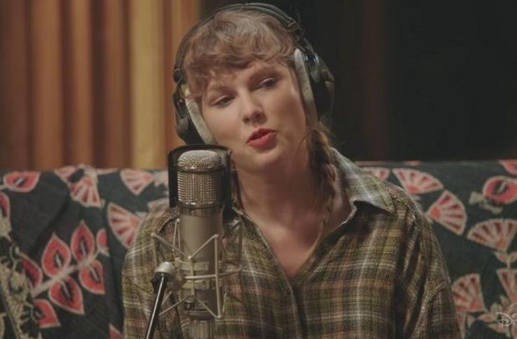 Taylor Swift confirma que Joe Alwyn co-escreveu duas canções do Folklore