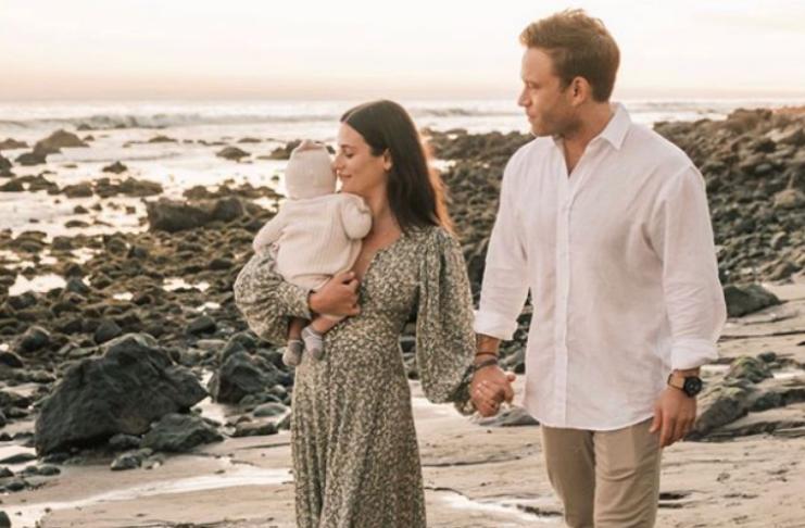 Lea Michele compartilha foto de família com filho Ever Leo e marido Zandy Reich