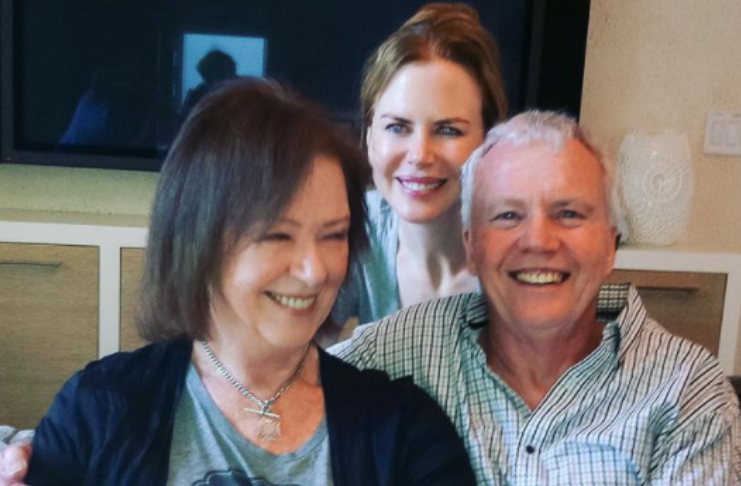 Nicole Kidman compartilha fotos raras de sua família no aniversário de seu falecido pai