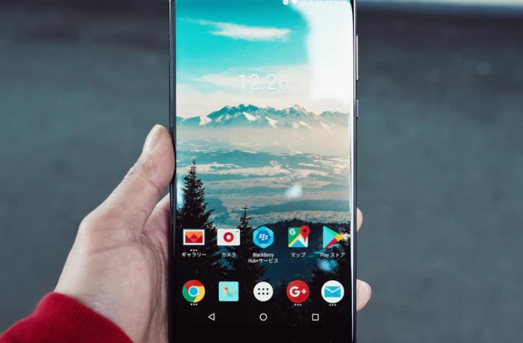 iOS vs. Android: Qual Smartphone pode cuidar melhor dos dados do usuário?
