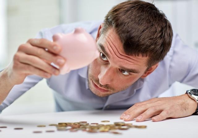 Aprenda como comprar só à vista até quitar as dívidas