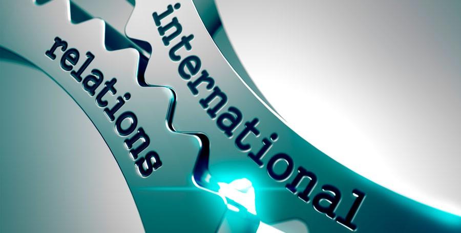 Saiba se o salário de uma pessoa formada em relações internacionais é maior