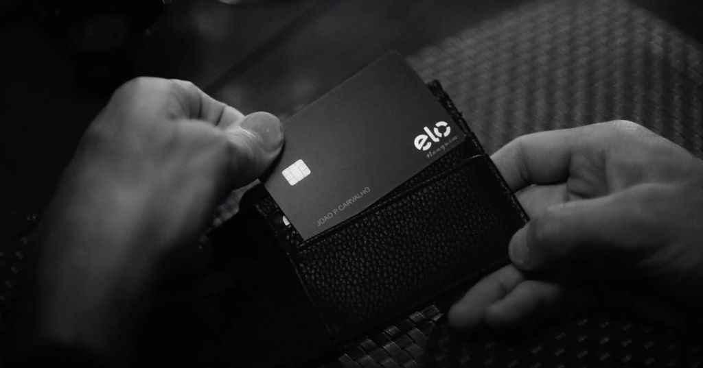Conhece o Caixa Elo Nanquim? Cartão black da Caixa - Saiba como solicitar