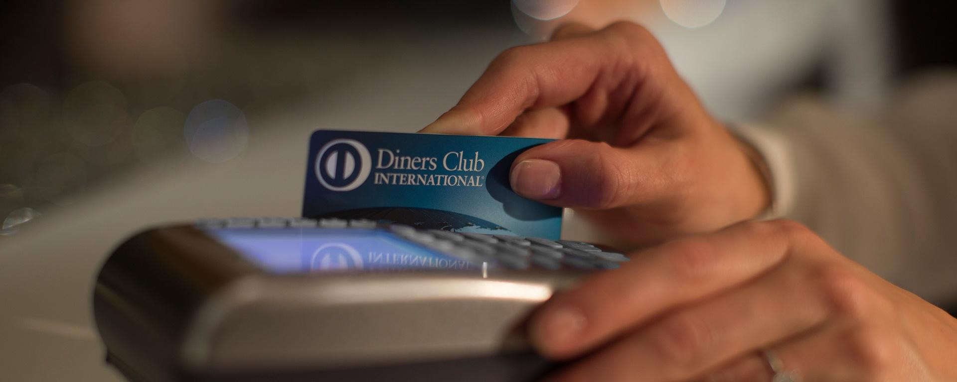 Conheça os 3 primeiros cartões de crédito usados no Brasil