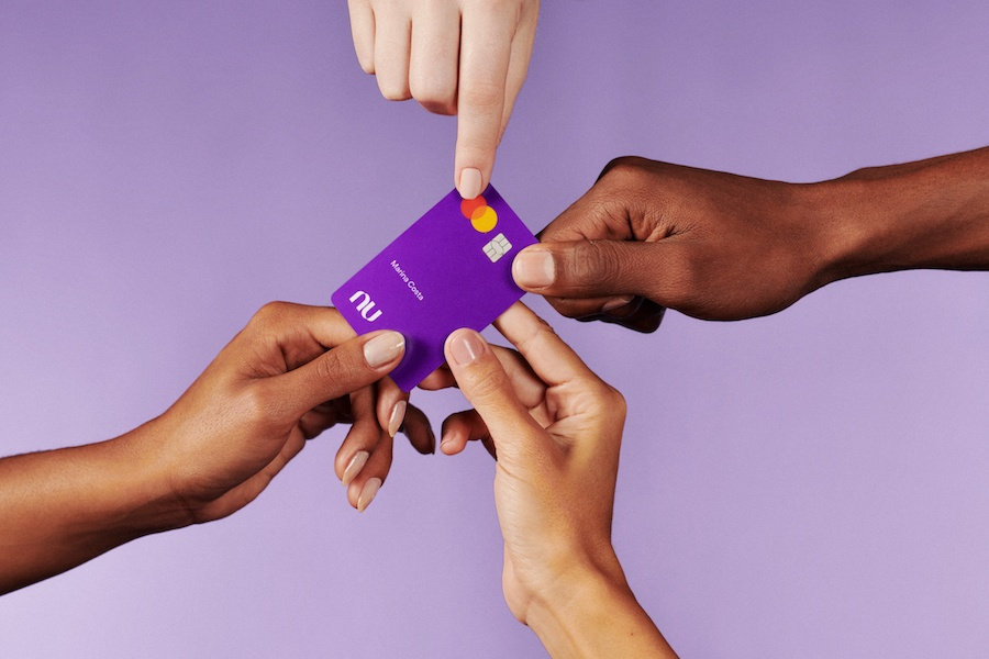 Veja como os bancos online ganham dinheiro se não cobram taxas de anuidade