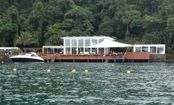 As 10 mansões mais incríveis das celebridades brasileiras